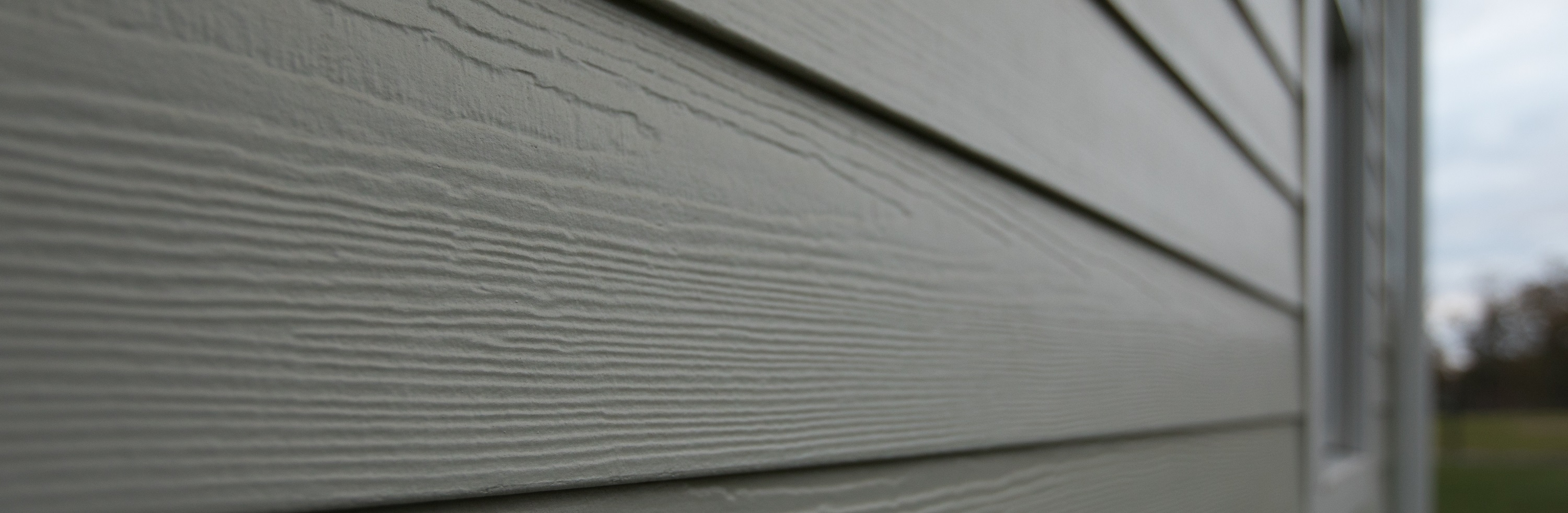 Repainting vs Replacing Your Home's Siding